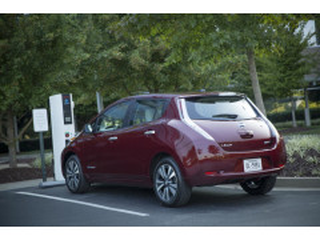 美国工程师团队研发快速充电站 10分钟内将车充满电