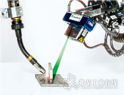 在3D传感器的帮助下可以自动的避免焊接轨迹的碰撞