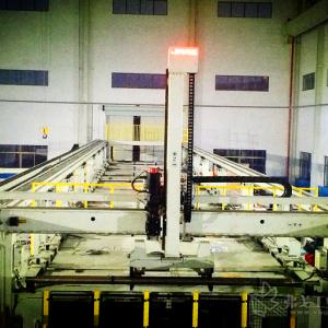 机器人助力大型自动化生产线高效作业