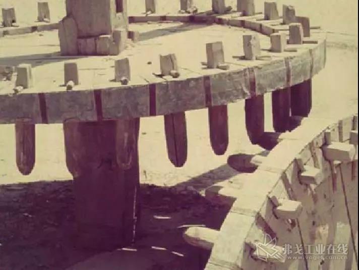伊拉克凯特斯芬遗迹中现存着公元前的齿轮