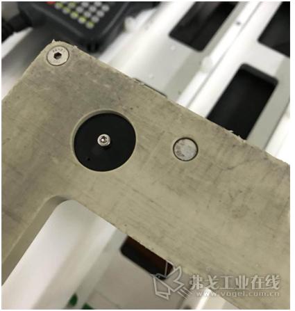安装在单晶硅片托盘上的耐腐蚀载码体