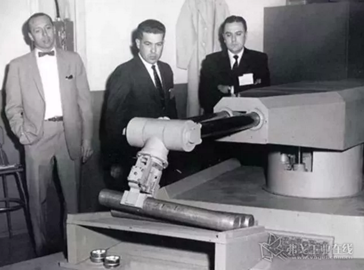 1954年 第一台可编程机器人