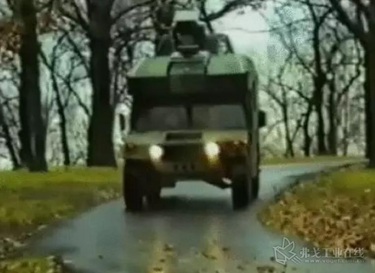 1989年 初级的自动驾驶功能