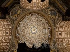 艺术与技术的完美融合:欧司朗全新照明系统闪耀梵蒂冈圣彼得大教堂