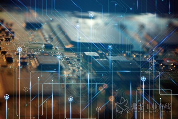 我国电子信息制造业发展机遇与挑战并存