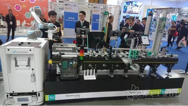 倍加福G20物流输送线 + AGV自动引导小车 协同作战