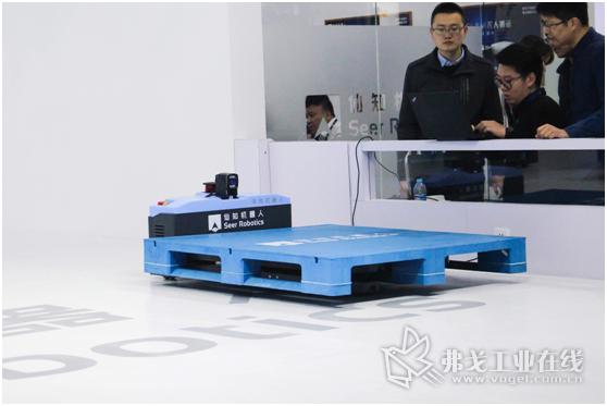 基于SRC的激光SLAM地面式自动叉车