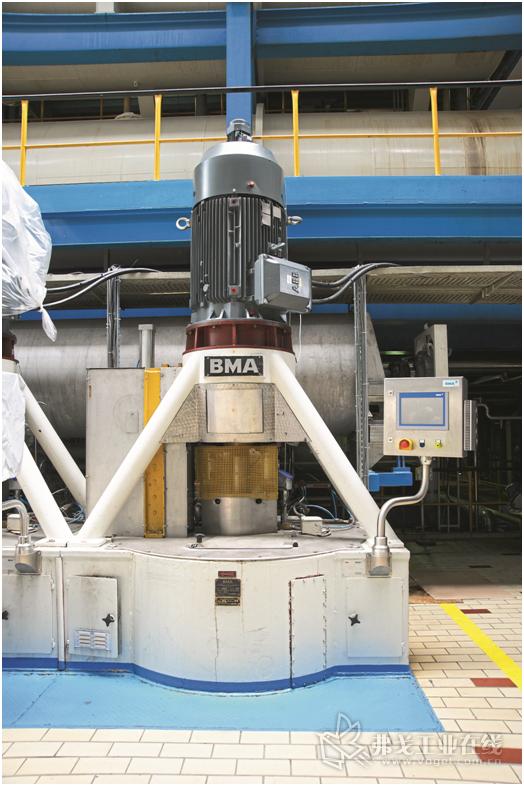 图1 在BMA B1750型离心机上使用了再生式变频器ACS880-17