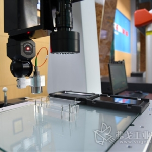 思瑞测量:易变形曲面扫描检测方案 GLASS 686