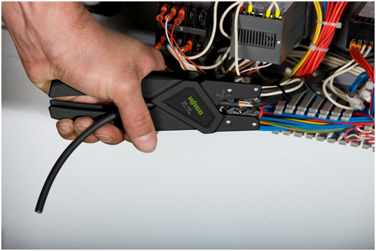 万可推出系列电气连接技术专业工具