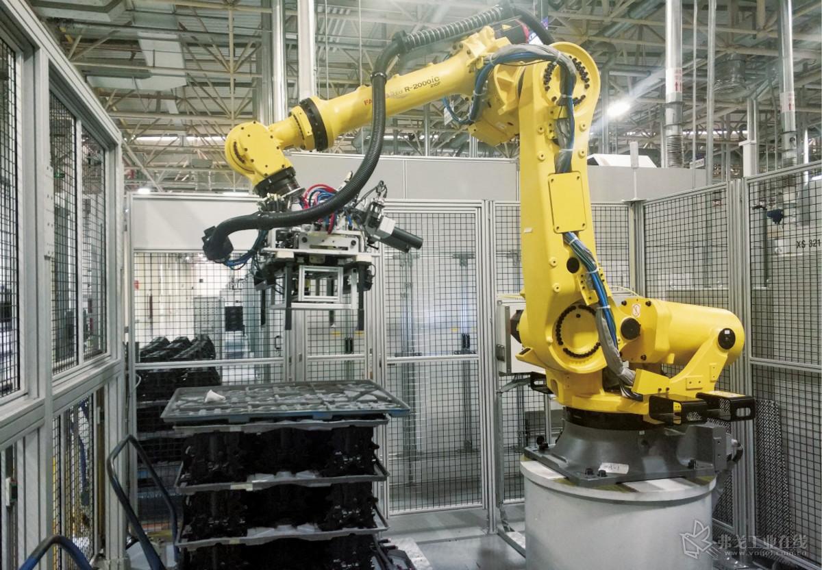 图4  缸体机器人自动上料