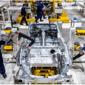 总投资2.91亿美元 戴姆勒俄罗斯奔驰工厂落成