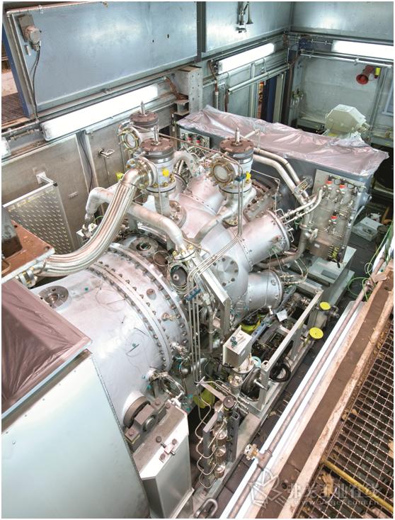 图3 试验台上额定功率小于10 MW的工业燃气轮机。这一功率等级的燃气轮机已经经过了性能优化,可在分散式热电联产发电厂中使用