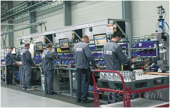 液压阀生产厂在手工装配的三个装配工位和阀块组装的三个组装工位处Elam Start装配辅助系统,在一个包装工位处安装了装配辅助系统