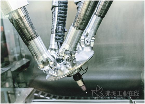 图1 自动化的Wigpod焊接设备是在全封闭的焊接工作室中,在纯惰性气体的保护下完成焊接的