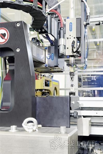 具有多种模块和变型,雄克LDx系列是高精度高速装配领域的专家。轴可以快速轻柔的运动,LEM也将其用于检查摄像头