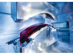降低的成本和复杂性:一款为汽车尾灯生产而订制的激光焊接设备