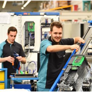 机器制造中安全高效的工作流程