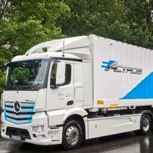 Rigterink Logistikgruppe测试梅赛德斯-奔驰纯电动车版eActros车型