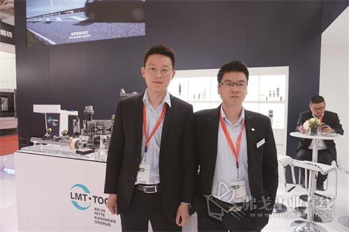 利美特金属加工技术(中国)有限公司能力中心经理陆永祥先生(右)和副经理丁路先生(左)