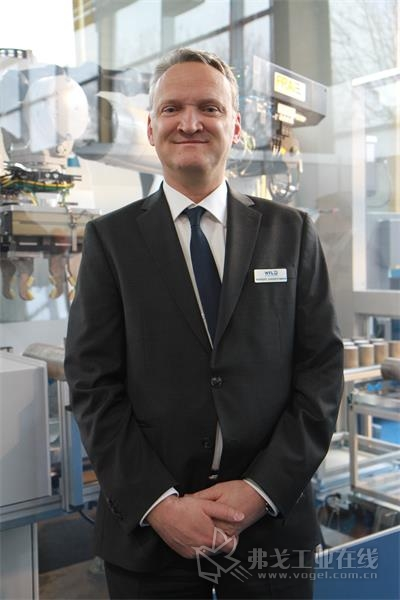 图2 WFL公司CEO Norbert Jungreithmayr先生