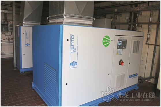 图1 Bad Meinberger矿泉水厂在矿泉水生产过程中使用的是无油、注水冷却的螺杆式空气压缩机,这种螺杆压缩机生产的压缩空气符合ISO 8573-1国际标准中最高级的0级纯净度等级