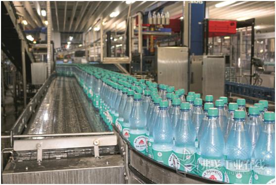 在矿泉水生产以及在整个食品生产过程中,遵守食品安全规定是必须保证的重中之重。而这一安全程度将与生产过程中所用压缩空气的纯净度有关。