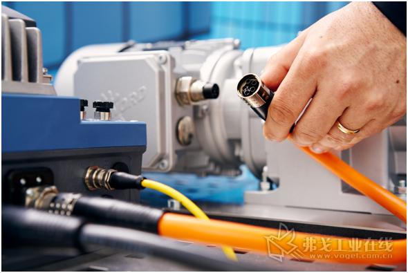 施工现场的电气装配工作应尽可能快速、方便,而X-TEC / W-TEC 15圆形连接器有它特定的优势