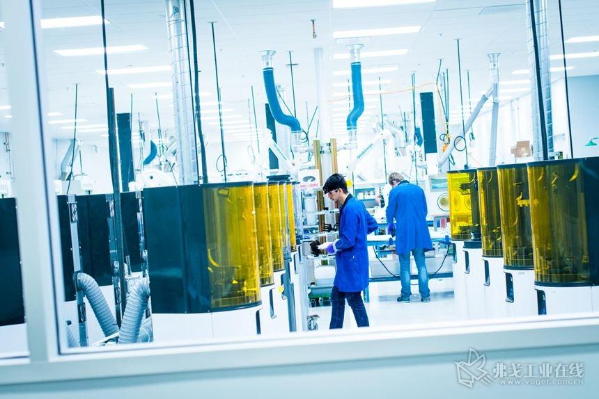 Carbon公司运行的M系列3D打印机