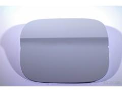 A级表面,出色的力学性能:由PBT制成的可在线喷涂的燃油加注口盖