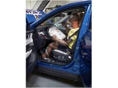 威马:我在C-NCAP撞了一下车,五星!