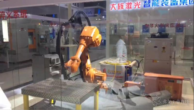大族激光高功率焊接销售总部总经理王祥先生介绍展台