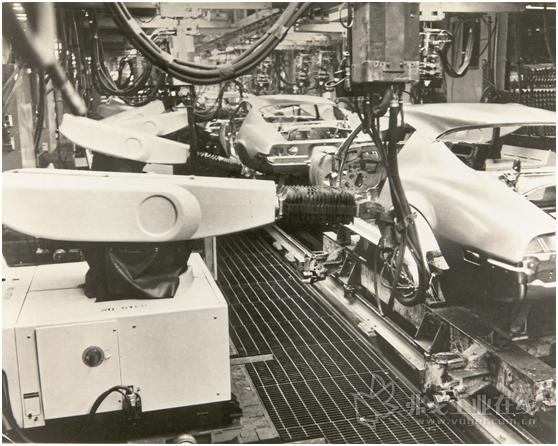 图2 美国福特汽车生产线上使用的Unimate机器人