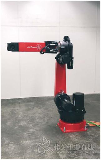 除了Delta和DuoPod机器人之外,MAJAtronic公司还提供跨控制器的六轴关节机器人,可以轻松集成到贝加莱机器控制系统中。借助mapp技术,用户无需任何专业的机器人Know-how即可轻松实现它们。