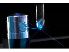 「雷尼绍全新NC4+ Blue系统」 蓝色激光技术:重新定义机内刀具测量标准