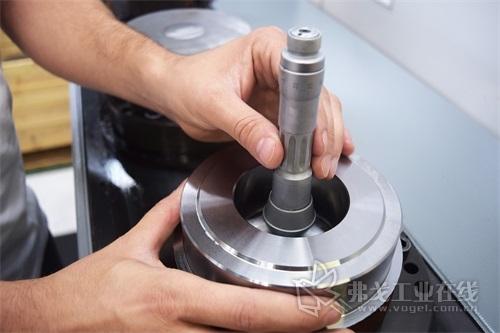 图2 Humbel零部件应用于赛车运动和机械工程或者在100电动驱动系统的开发中用作原型样机