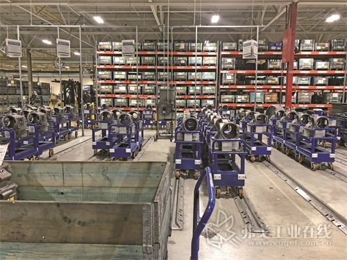 图1 Volvo Powertrain公司在马里兰州哈格斯敦的工厂可生产D11和D13发动机以及I-Shift自动手动变速器,图中所示轴套成品已完成加工,准备送往组装部进行组装