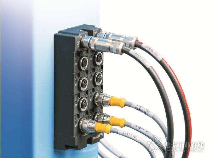 图1 借助于基于PC计算机和EtherCat基础之上的自动化控制技术将Genesis集团公司的布线和电气安装时间缩短了50%