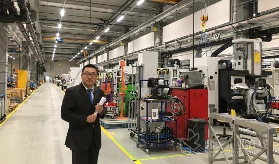 GF加工方案铣削技术产品经理周迪先生带领MM直播团队走遍了新工厂