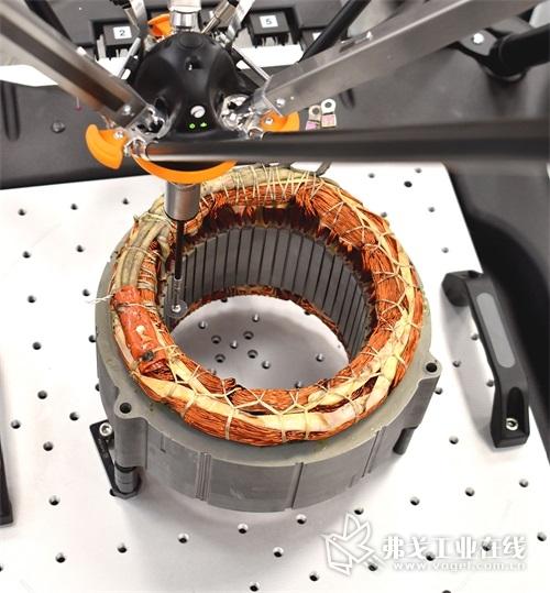 Equator比对仪正在检测电动汽车电机定子