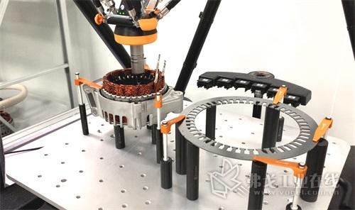 在雷尼绍Equator比对仪上检测电动汽车零部件
