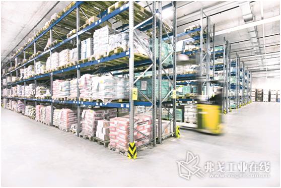 图3 SSI Schaefer公司研发生产的托盘和搁板货架系统可以准确的按照不同储存物资的要求进行调整,满足以需求为导向的物资存储