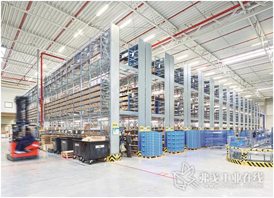 DeLaval技术服务公司利用Bito仓储技术公司有三个储存层的货架系统作为小型零件仓储区域和拣选配货区