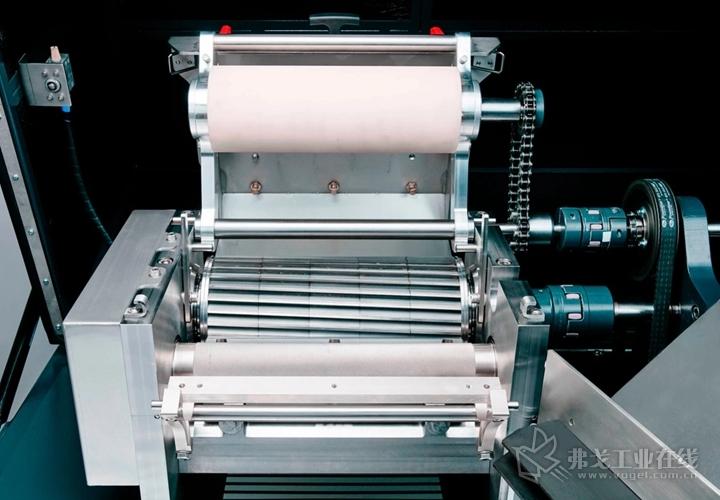 科倍隆切粒技术公司的SP系列双轴承支撑的龙门式SP240拉条切粒机