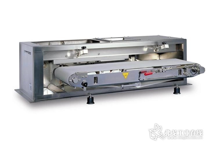 科倍隆楷创展出的产品还有SWB-300皮带秤。这是一款非常可靠的重力式喂料机,结构简单,可提供高喂料精度和有效的工艺监控