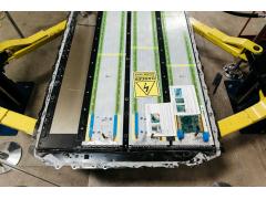特斯拉电池专利:将多个电池系统组合成一个模块 简化电池组件