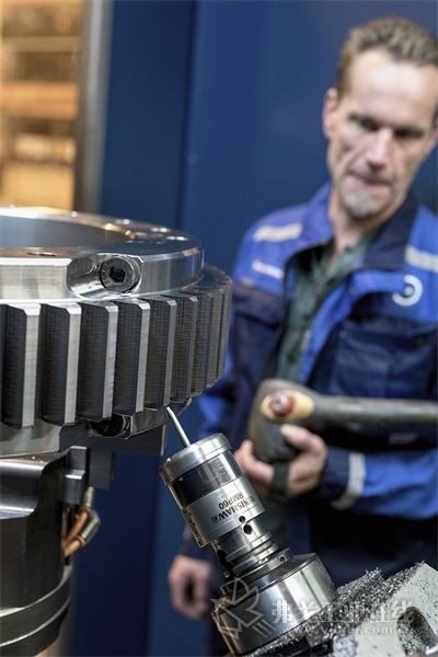 雷尼绍RMP60测头在去除毛边后确认成品齿轮的尺寸