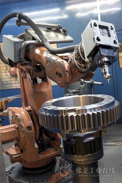 Flexmill加工单元配备ABB机器人和雷尼绍RMP60测头